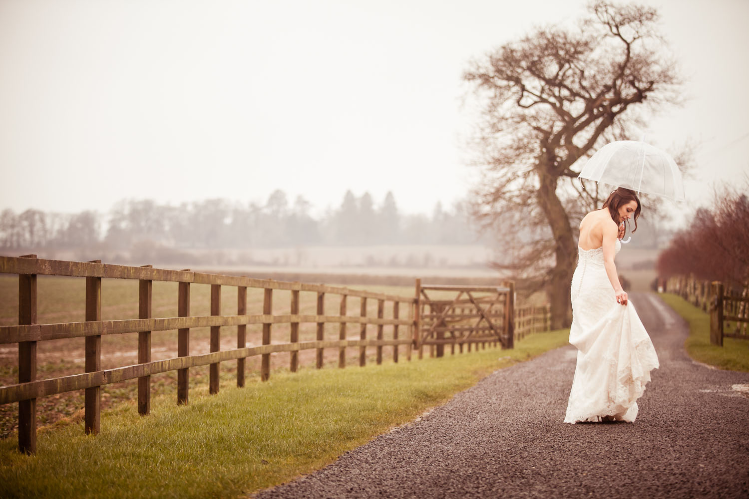 Style and shoot the perfect autumn wedding