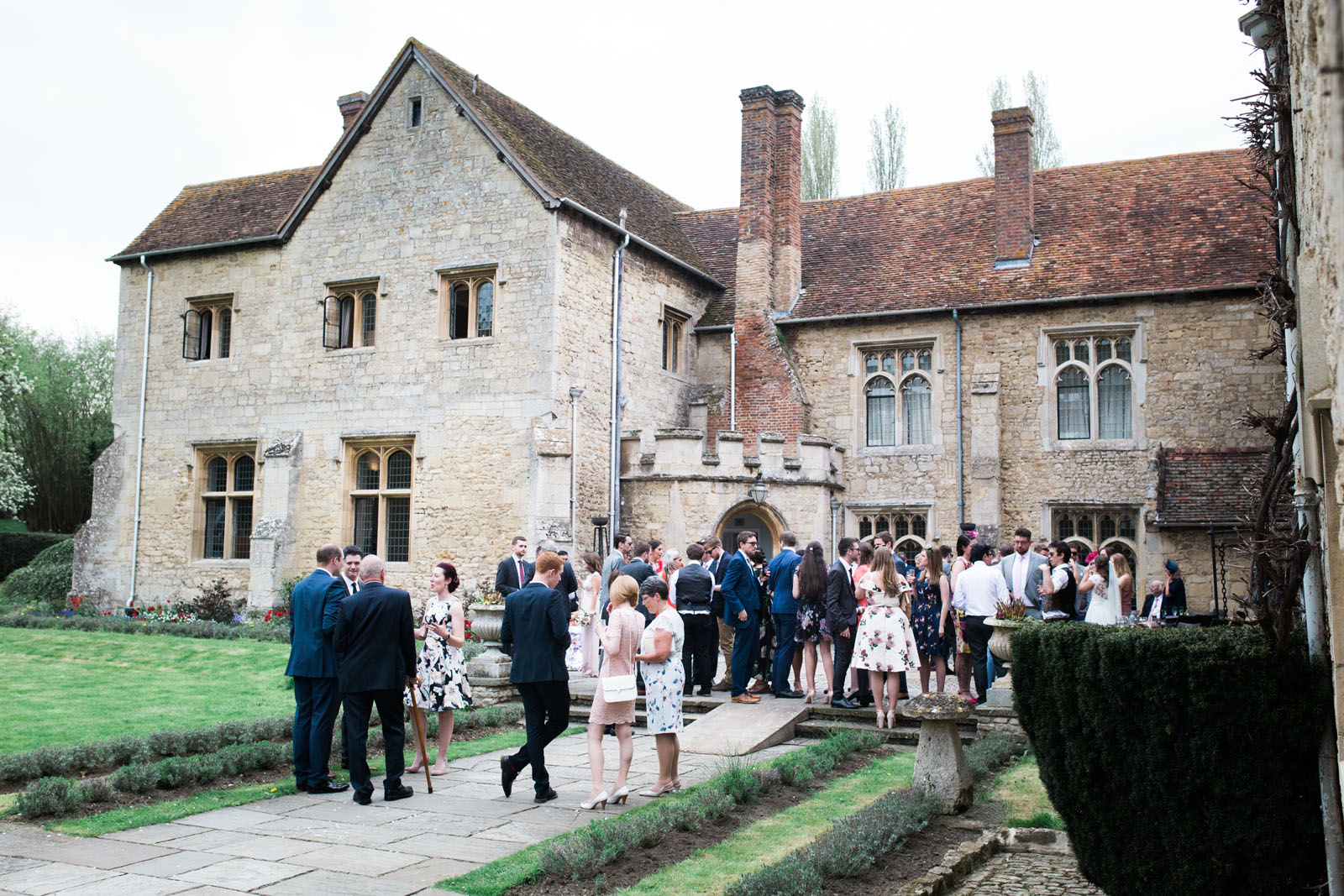 Guests welcome drinks at Notley Abbey, Bucks weddings