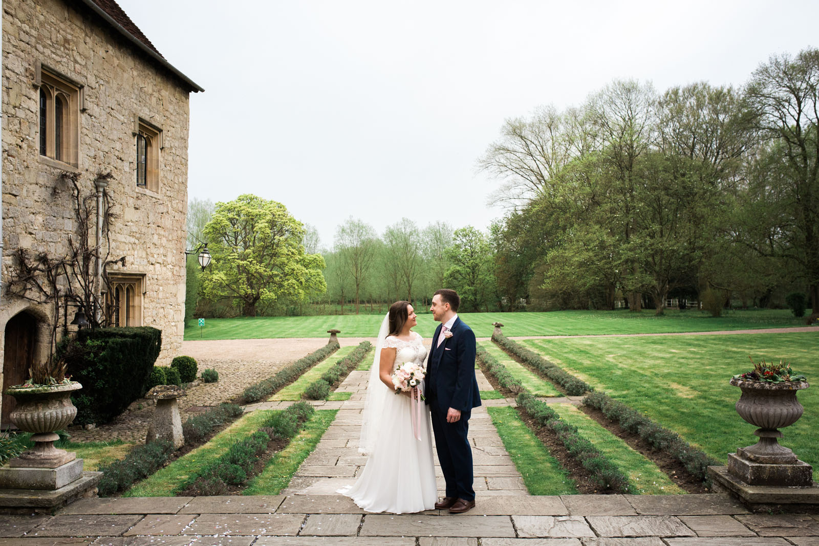 Notley Abbey Weddings Buckinghamshire