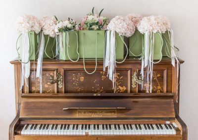 Piano and Wedding Flowers - Heni Fourie Photography